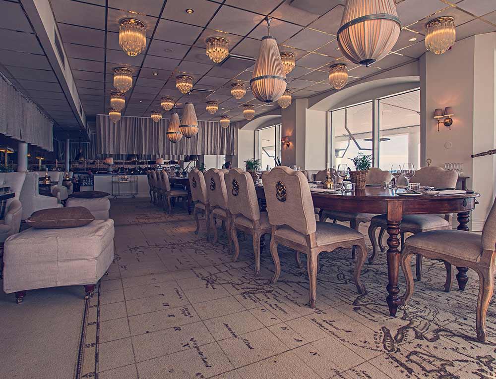 Vackra matsalen i restaurang Famille på Falkenberg Strandbad