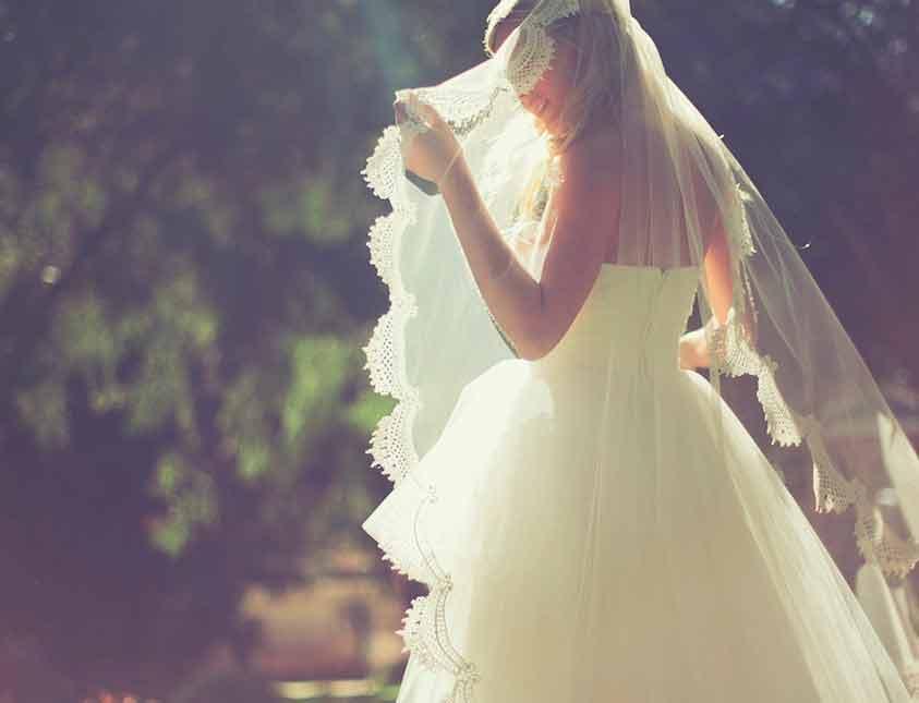 Vårljus på bröllop på Falkenberg Strandbad