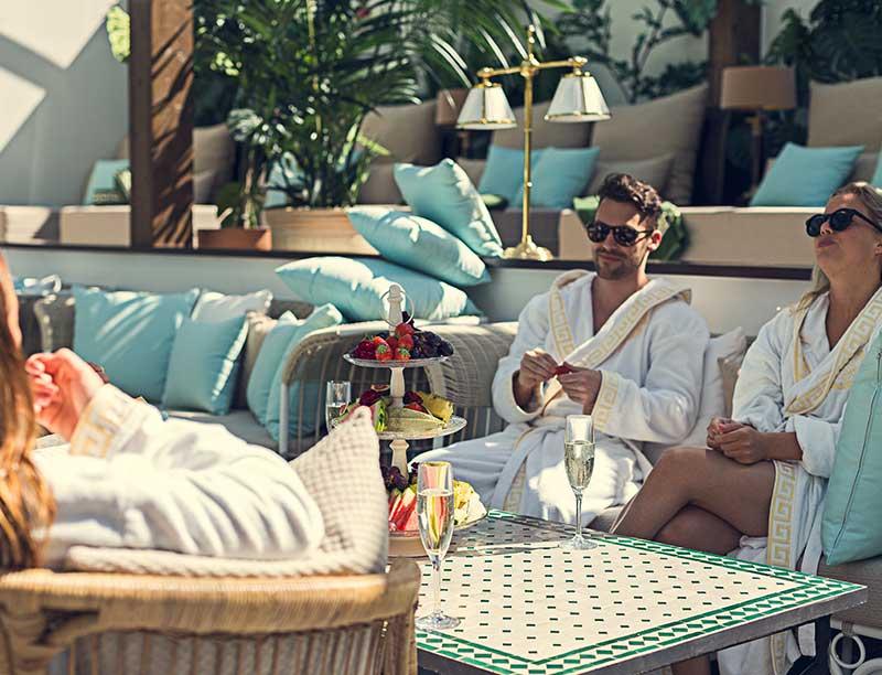 Relax och förfriskningar i The Retreat Club på Falkenberg Strandbad