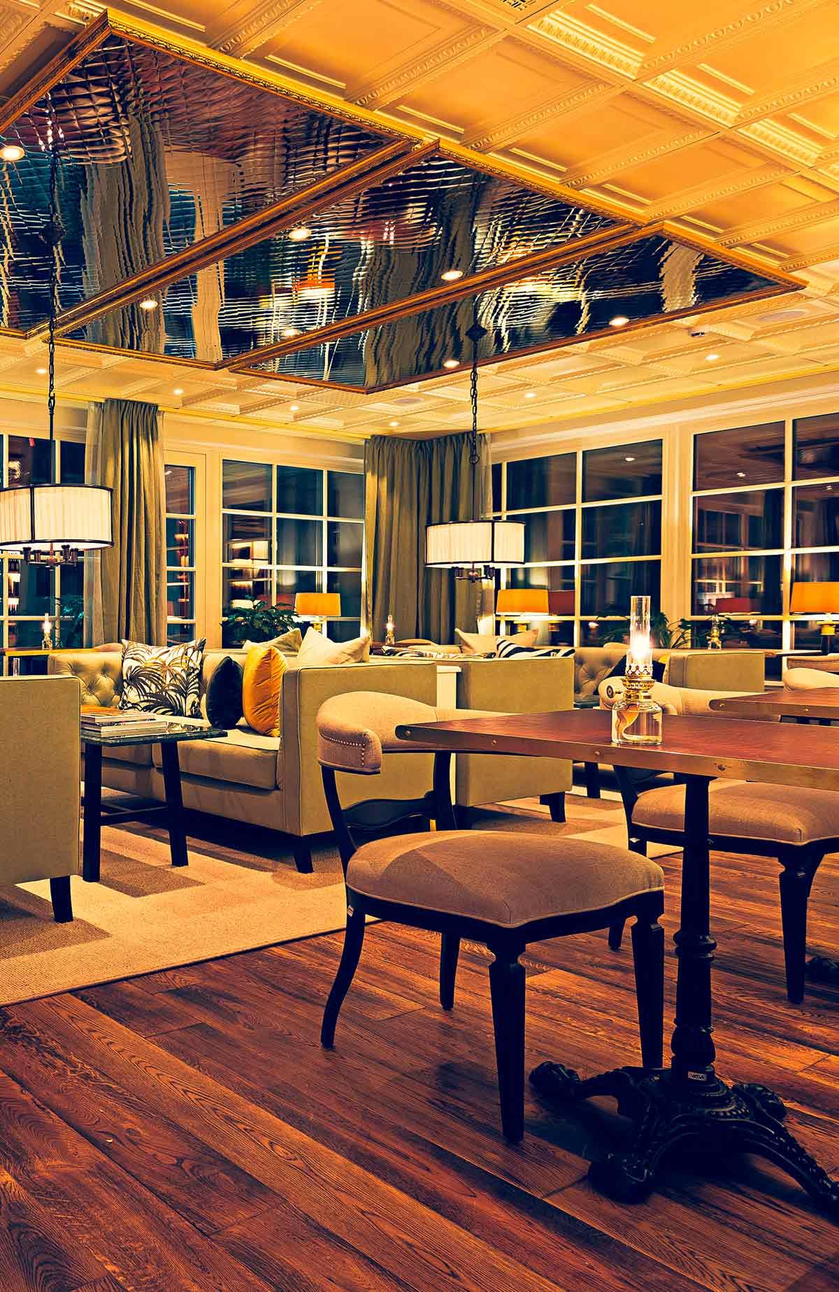 Boka bord och upplev den härliga atmosfären i Restaurang Köket på Falkenberg Strandbad