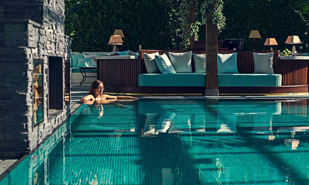 Skönt i poolen i vårt spa The Retreat Club på Falkenberg Strandbad